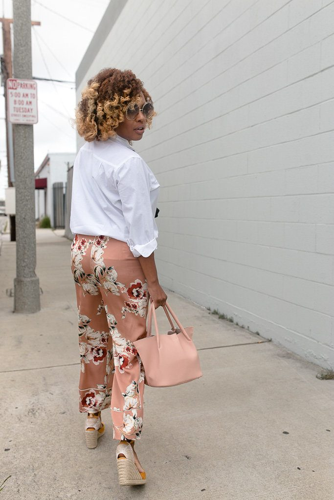 Classic takes on a hot trend - Hautemommie in pajamas. Outside.