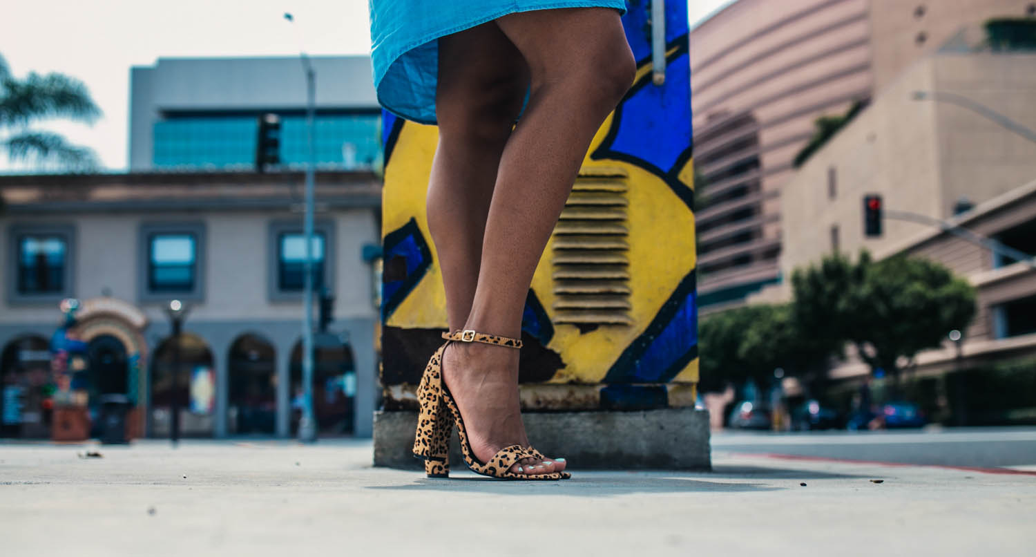 Focus on Steve Madden Leopard Heels - Sun's Out, Shoulders Out - https://thehautemommie.com/denim-zara-dressleopard-heels/