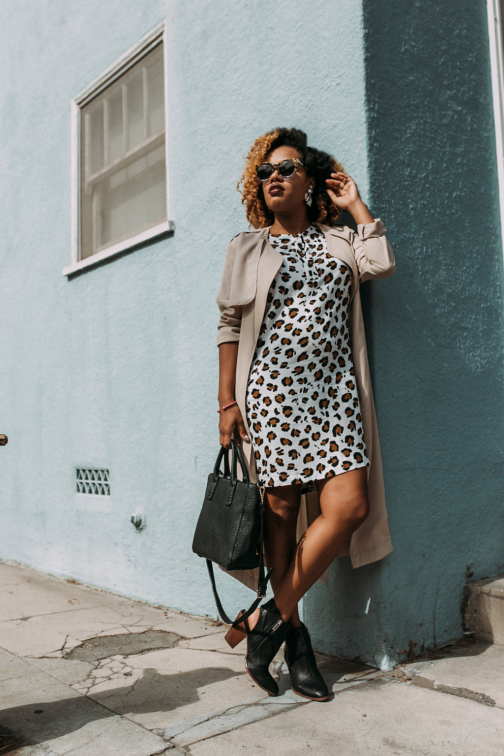 Blue Walls + Trenches / Dress - H&M / Earrings - Zara / Booties - Dolce Vita / Trench - RO&DE | https://thehautemommie.com/transitional-pieces/