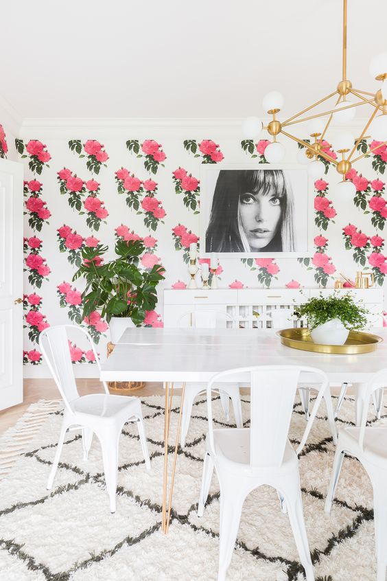 Floral Wallpaper! // https://thehautemommie.com/making-my-house-a-home/