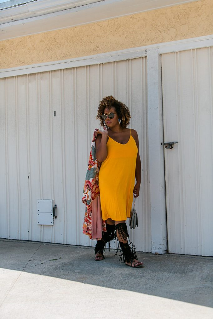 The Hautemommie - style. travel. natural hair. With an element of chic.