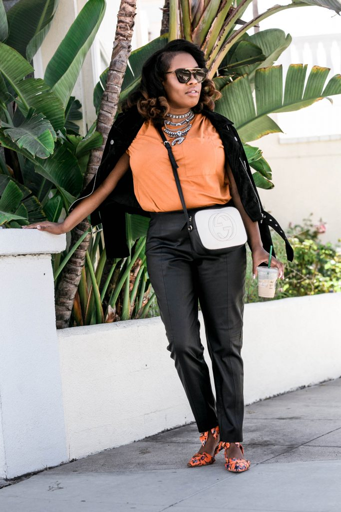 Fall is setting in and your wardrobe needs simple ways to make shine, let Hautemommie show you how.