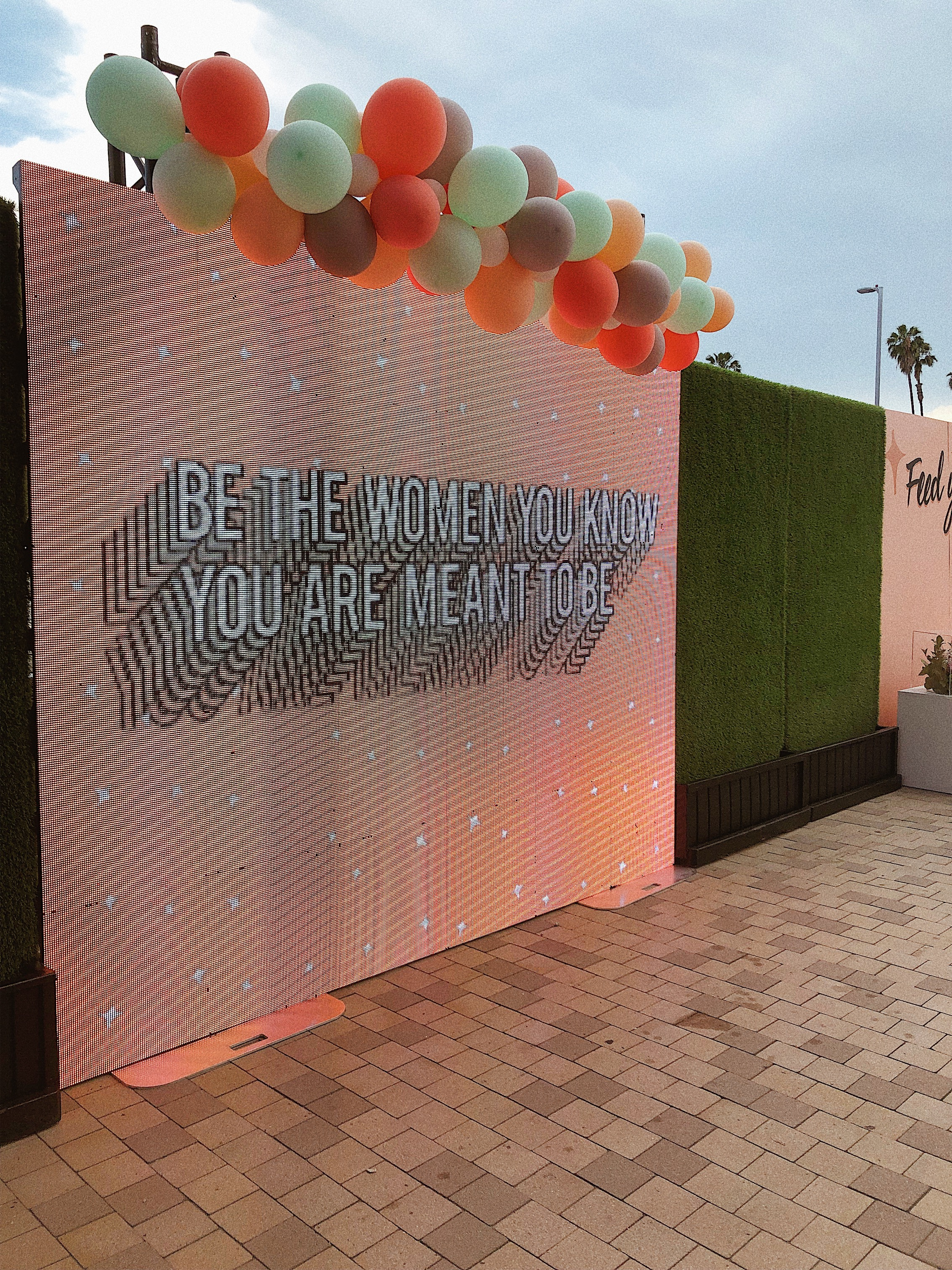 The Hautemommie is a Long Beach based lifestyle blog written by Leslie Antonoff.
